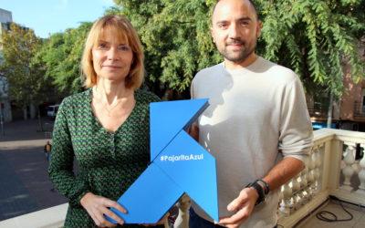 Una Pajarita Azul anida en Sant Boi de Llobregat, recibida por su alcaldesa
